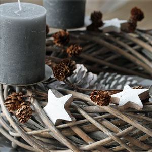 Pin Adventskranz Mit Frischem Gruen On Pinterest