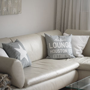 White Living - Sofa in Weiss